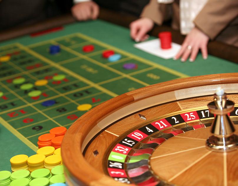 азартные игры на деньги на улице